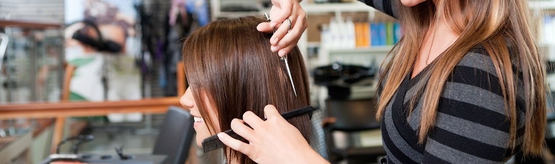 cutting womens hair